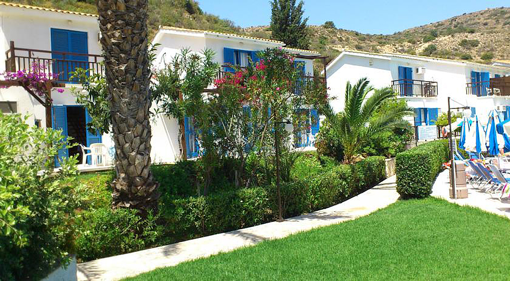 Pissouri Apartments and Villas